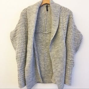 TOPSHOP Open Front Short Sleeve Gray Cardigan